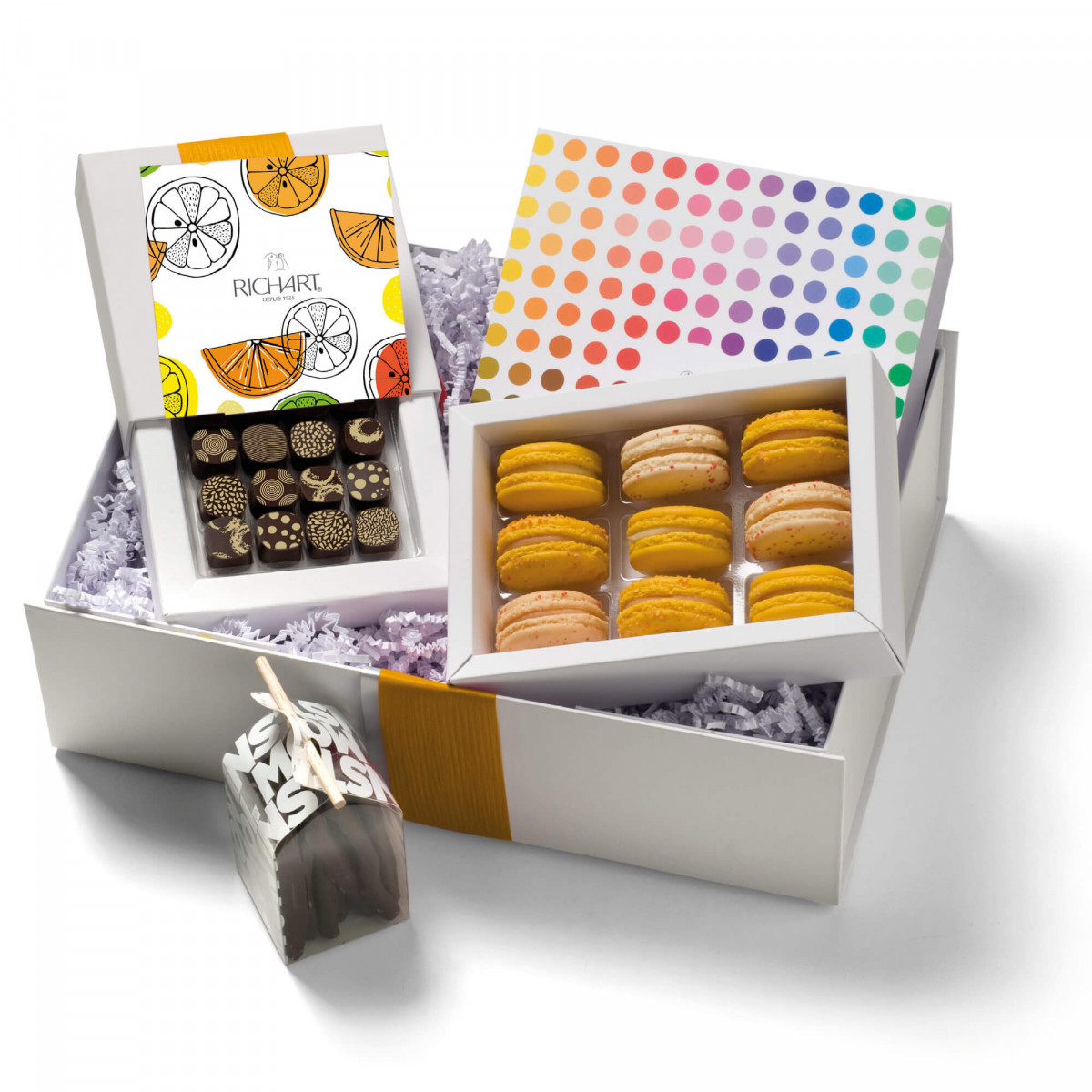 In the kingdom of the Citrus Chocolates and French macarons Gift Basket